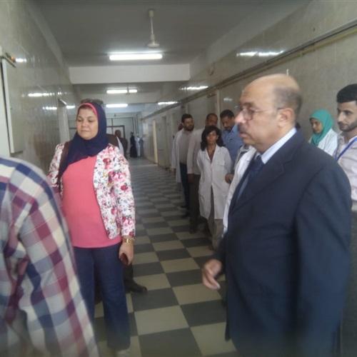 صدى العرب: بالصور  ..وفد البنك الأهلي المصري يزور مستشفيات اسيوط لبحث سبل الدعم
